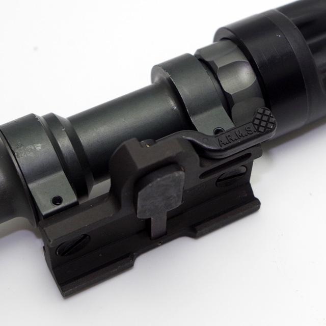 ■ 米軍払い下げ品 SUREFIRE (シュアファイア) M962 ARMSスルーレバー仕様 ウェポンライト
