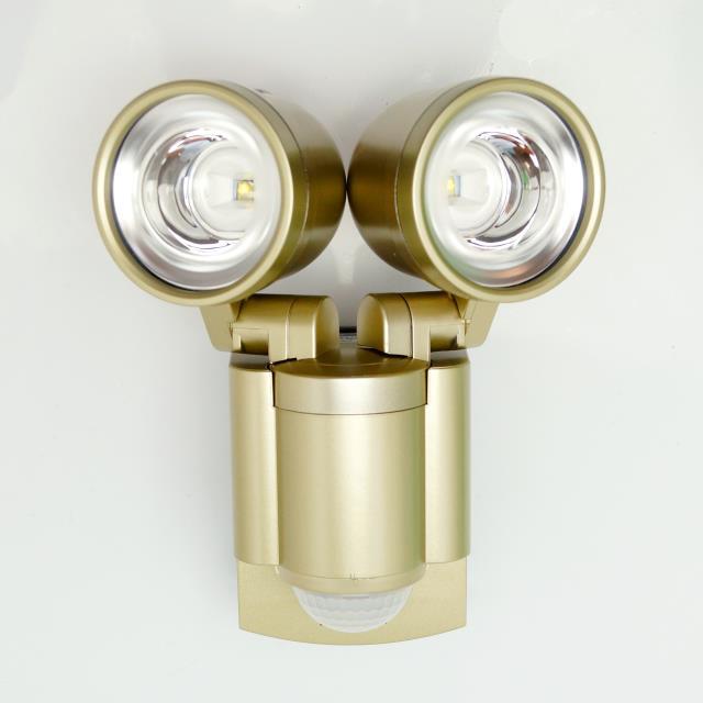 エルパ(ELPA) ESL-302SL 防雨型 ソーラー発電式 LEDセンサーライト 3W ...